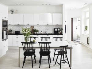 monochrome-Scandinavian-style-kitchen-with-subway-tiles