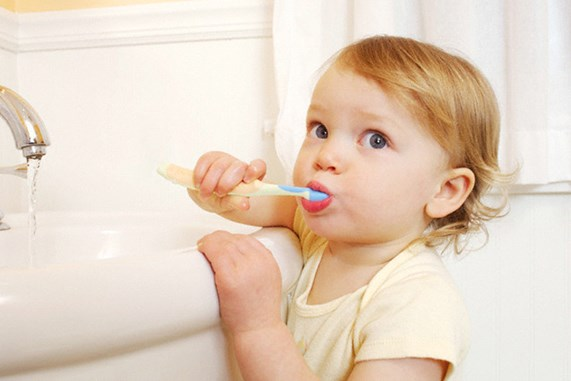 Ufak Çocukları Diş Hekimine Götürmek İçin Nedenler